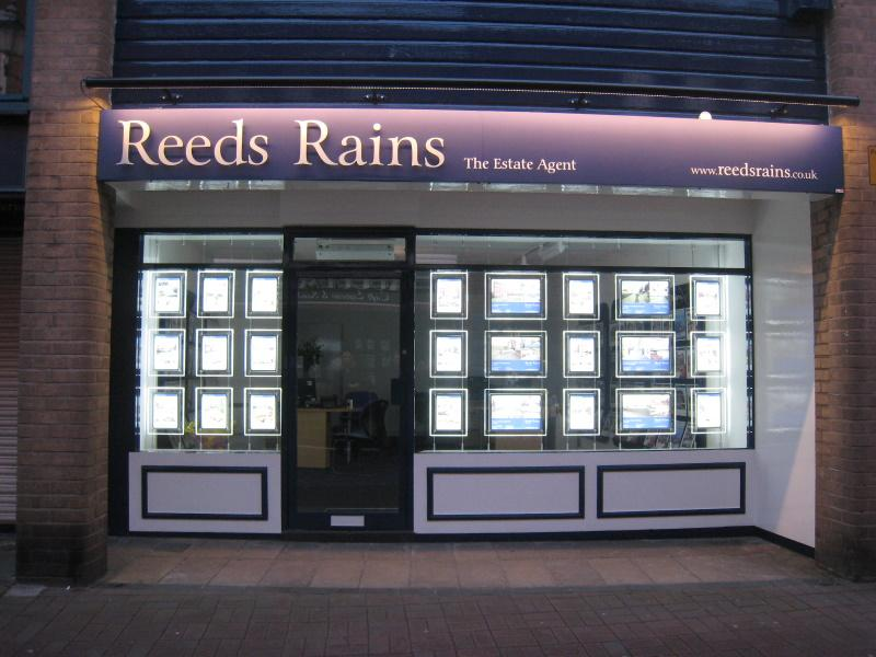 Reeds Rains Choose Light Panel Displays from Mid West Displays...